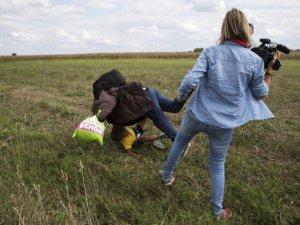 alx_montagem-mundo-reporter-derruba-refugiados-20150908-04_original